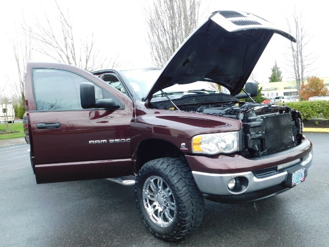 2005 Dodge Ram 2500 SLT 4X4 / Diesel 5.9L Cummins / Nav / 1-OWNER LIFT - Photo 31 - Portland, OR 97217