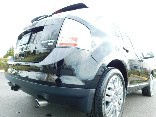 2009 Ford Edge Limited / AWD / NAVi / PANO ROOF / HEATED LEATHER - Photo 11 - Portland, OR 97217