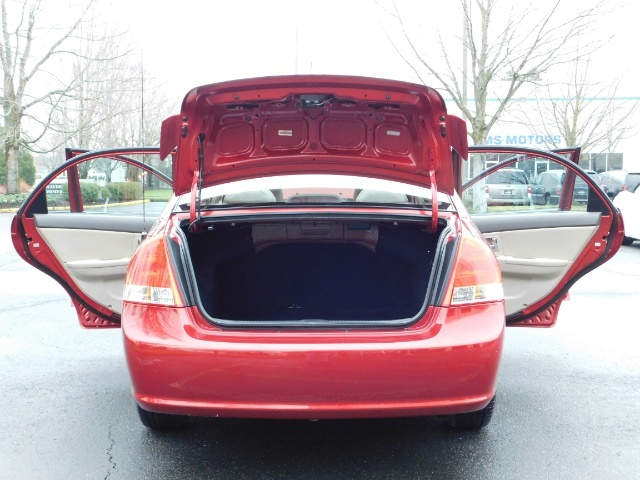 2009 Kia Spectra EX / Sedan / Auto / Sunroof / Spoiler / 1-OWNER - Photo 28 - Portland, OR 97217