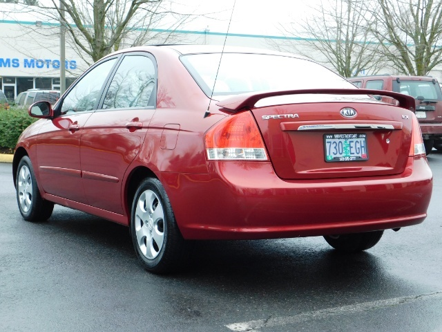 2009 Kia Spectra EX / Sedan / Auto / Sunroof / Spoiler / 1-OWNER - Photo 7 - Portland, OR 97217