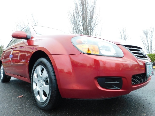 2009 Kia Spectra EX / Sedan / Auto / Sunroof / Spoiler / 1-OWNER - Photo 10 - Portland, OR 97217
