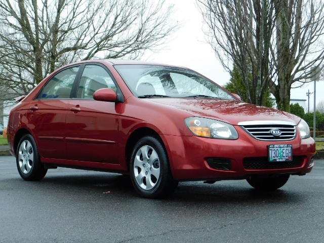 2009 Kia Spectra EX / Sedan / Auto / Sunroof / Spoiler / 1-OWNER - Photo 2 - Portland, OR 97217