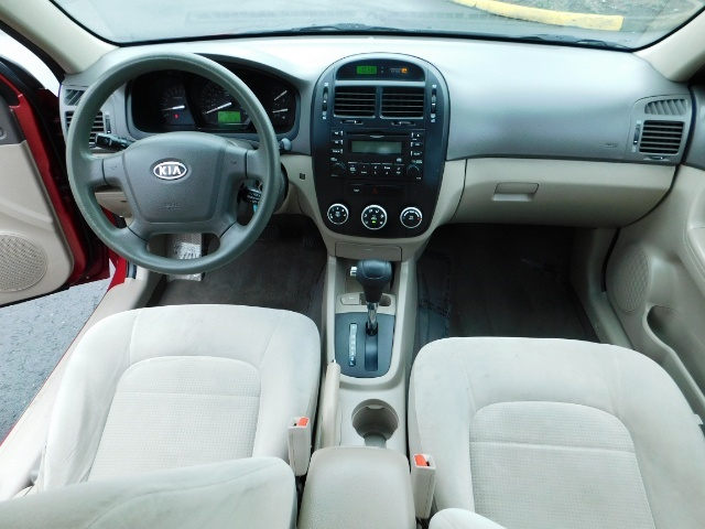 2009 Kia Spectra EX / Sedan / Auto / Sunroof / Spoiler / 1-OWNER - Photo 19 - Portland, OR 97217
