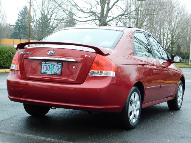 2009 Kia Spectra EX / Sedan / Auto / Sunroof / Spoiler / 1-OWNER - Photo 8 - Portland, OR 97217