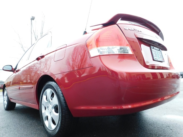 2009 Kia Spectra EX / Sedan / Auto / Sunroof / Spoiler / 1-OWNER - Photo 11 - Portland, OR 97217