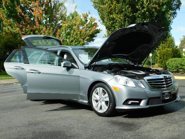2011 Mercedes-Benz E 350 Luxury 4MATIC / Sport Wagon / REAR SEAT - Photo 31 - Portland, OR 97217