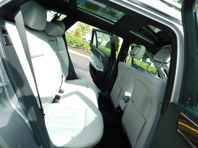 2011 Mercedes-Benz E 350 Luxury 4MATIC / Sport Wagon / REAR SEAT - Photo 16 - Portland, OR 97217