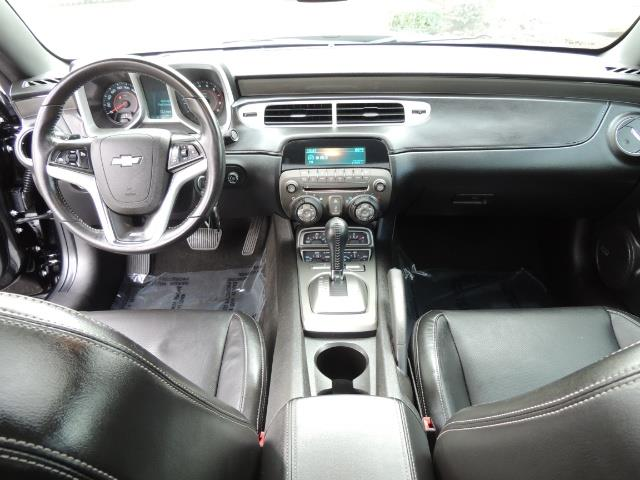 2012 Chevrolet Camaro SS / RS Package / Leather / Sunroof /Backup camera - Photo 17 - Portland, OR 97217