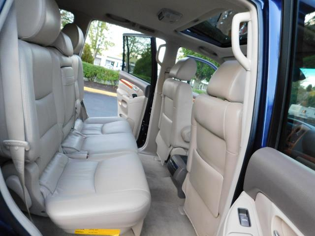 2006 Lexus GX 470 4dr SUV / 4WD / 3Rd Seat / Excel Cond - Photo 17 - Portland, OR 97217