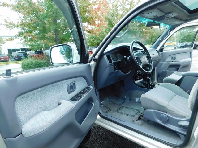 2000 Toyota 4Runner SR5 / 4WD / V6 3.4 L / Luggage Rack / LIFTED !! - Photo 13 - Portland, OR 97217