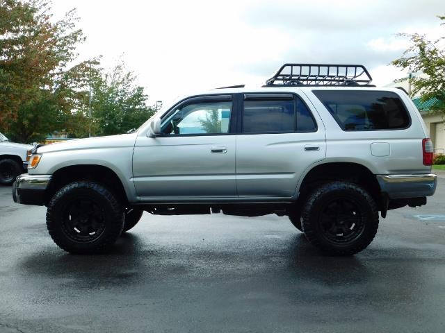 2000 Toyota 4Runner SR5 / 4WD / V6 3.4 L / Luggage Rack / LIFTED !! - Photo 3 - Portland, OR 97217