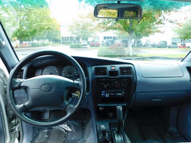 2000 Toyota 4Runner SR5 / 4WD / V6 3.4 L / Luggage Rack / LIFTED !! - Photo 32 - Portland, OR 97217