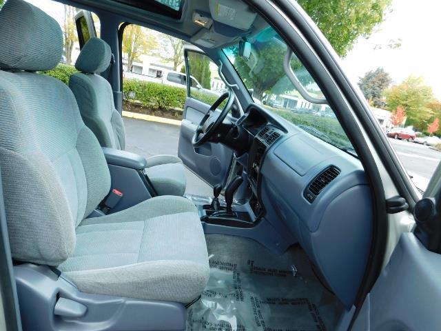 2000 Toyota 4Runner SR5 / 4WD / V6 3.4 L / Luggage Rack / LIFTED !! - Photo 18 - Portland, OR 97217