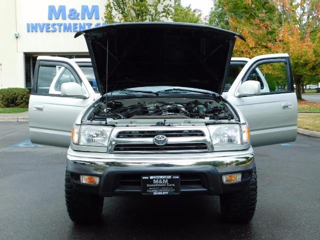 2000 Toyota 4Runner SR5 / 4WD / V6 3.4 L / Luggage Rack / LIFTED !! - Photo 29 - Portland, OR 97217