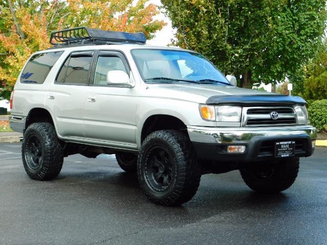 2000 Toyota 4Runner SR5 / 4WD / V6 3.4 L / Luggage Rack / LIFTED !! - Photo 2 - Portland, OR 97217