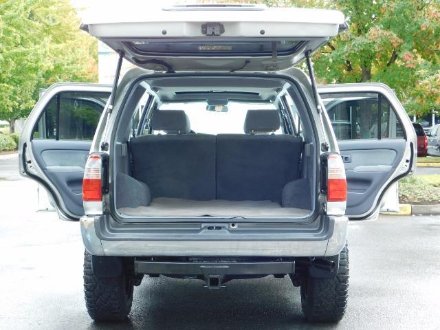 2000 Toyota 4Runner SR5 / 4WD / V6 3.4 L / Luggage Rack / LIFTED !! - Photo 26 - Portland, OR 97217