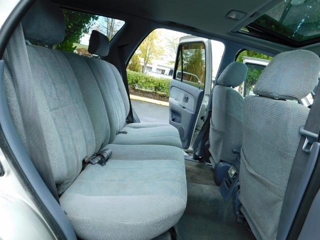 2000 Toyota 4Runner SR5 / 4WD / V6 3.4 L / Luggage Rack / LIFTED !! - Photo 17 - Portland, OR 97217