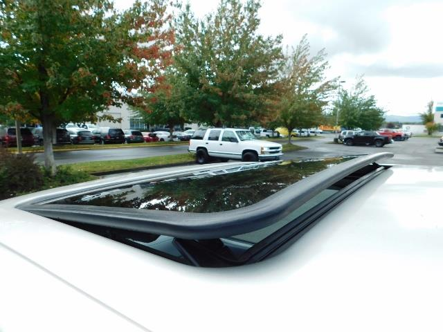 2000 Toyota 4Runner SR5 / 4WD / V6 3.4 L / Luggage Rack / LIFTED !! - Photo 40 - Portland, OR 97217