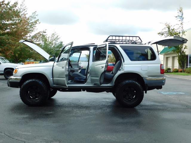 2000 Toyota 4Runner SR5 / 4WD / V6 3.4 L / Luggage Rack / LIFTED !! - Photo 20 - Portland, OR 97217