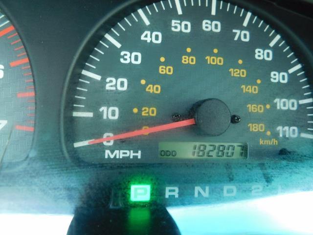 2000 Toyota 4Runner SR5 / 4WD / V6 3.4 L / Luggage Rack / LIFTED !! - Photo 38 - Portland, OR 97217