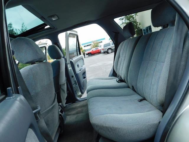 2000 Toyota 4Runner SR5 / 4WD / V6 3.4 L / Luggage Rack / LIFTED !! - Photo 15 - Portland, OR 97217