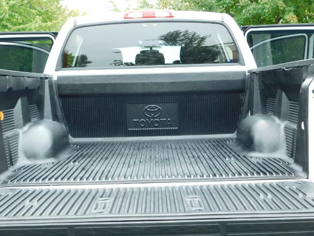 2015 Toyota Tundra SR5 / Crew Max / TRD OFF RD / 4X4 / Excel Cond - Photo 28 - Portland, OR 97217
