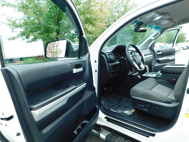 2015 Toyota Tundra SR5 / Crew Max / TRD OFF RD / 4X4 / Excel Cond - Photo 13 - Portland, OR 97217