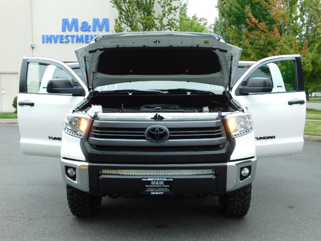 2015 Toyota Tundra SR5 / Crew Max / TRD OFF RD / 4X4 / Excel Cond - Photo 33 - Portland, OR 97217