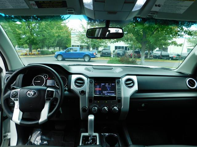 2015 Toyota Tundra SR5 / Crew Max / TRD OFF RD / 4X4 / Excel Cond - Photo 36 - Portland, OR 97217