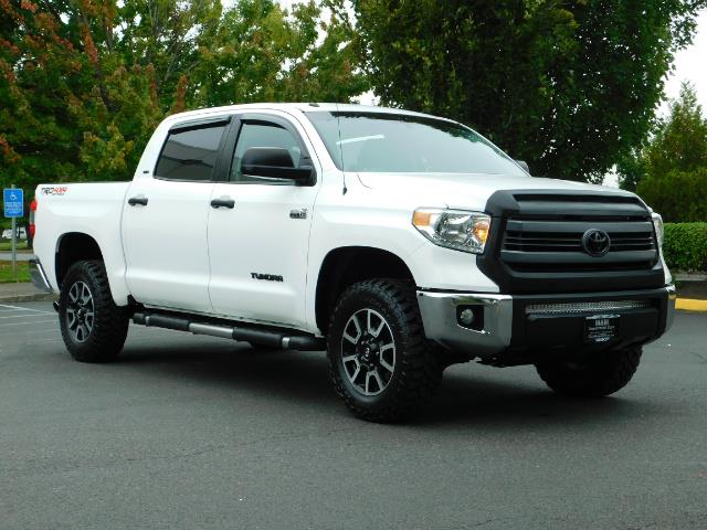 2015 Toyota Tundra SR5 / Crew Max / TRD OFF RD / 4X4 / Excel Cond - Photo 2 - Portland, OR 97217