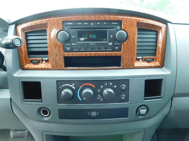 "2006 Dodge Ram 2500 Laramie 5.9L Quad Cab 4WD LIFTED / 35 ""MUD LOWMILES - Photo 18 - Portland, OR 97217"