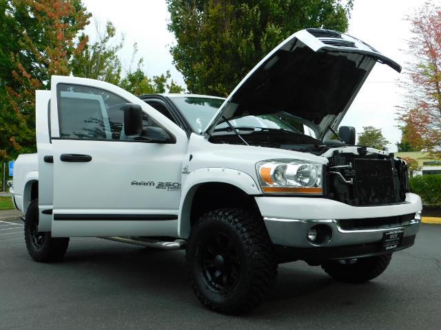 "2006 Dodge Ram 2500 Laramie 5.9L Quad Cab 4WD LIFTED / 35 ""MUD LOWMILES - Photo 29 - Portland, OR 97217"