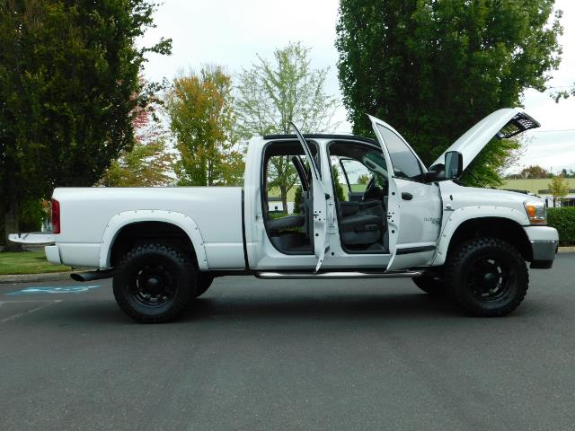 "2006 Dodge Ram 2500 Laramie 5.9L Quad Cab 4WD LIFTED / 35 ""MUD LOWMILES - Photo 10 - Portland, OR 97217"