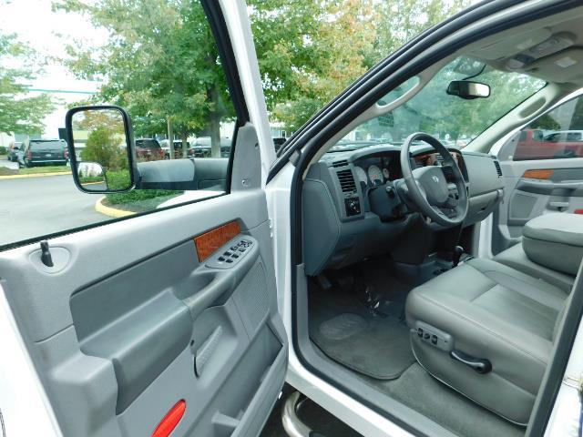 "2006 Dodge Ram 2500 Laramie 5.9L Quad Cab 4WD LIFTED / 35 ""MUD LOWMILES - Photo 13 - Portland, OR 97217"