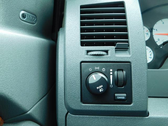 "2006 Dodge Ram 2500 Laramie 5.9L Quad Cab 4WD LIFTED / 35 ""MUD LOWMILES - Photo 38 - Portland, OR 97217"
