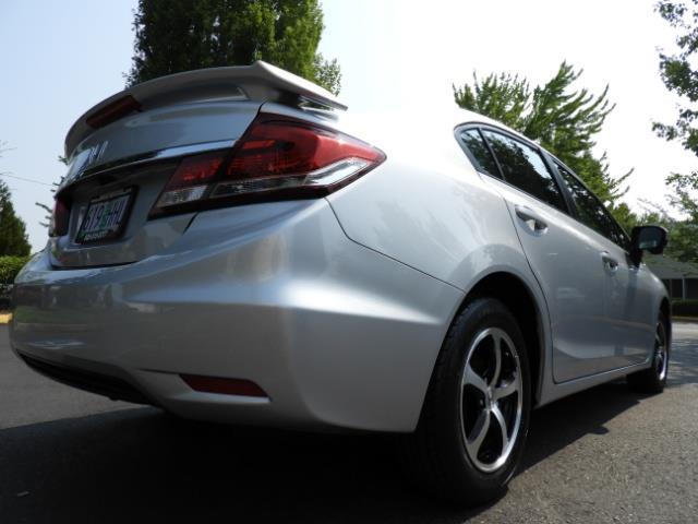 2015 Honda Civic SE / Sedan / Backup camera / Spoiler / 1-OWNER - Photo 12 - Portland, OR 97217