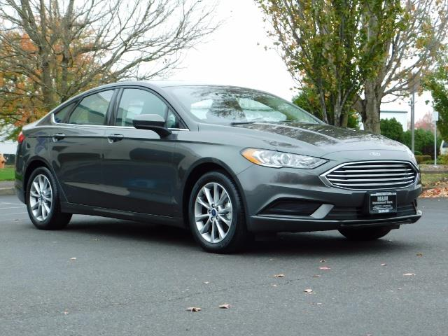 2017 Ford Fusion SE / Backup Camera / 1-OWNER / LOW MILES - Photo 2 - Portland, OR 97217