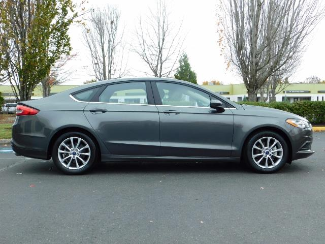 2017 Ford Fusion SE / Backup Camera / 1-OWNER / LOW MILES - Photo 4 - Portland, OR 97217