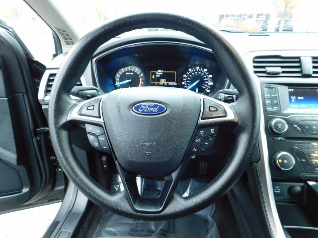 2017 Ford Fusion SE / Backup Camera / 1-OWNER / LOW MILES - Photo 19 - Portland, OR 97217