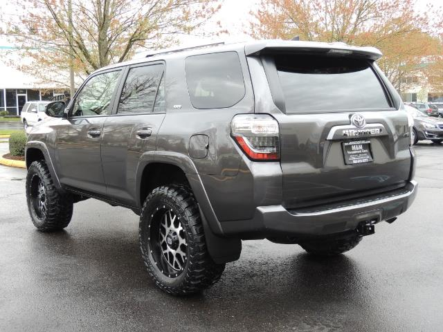 2016 Toyota 4Runner 4WD / V6 / 3RD SEAT / FACTORY WARRANTY / LIFTED !! - Photo 7 - Portland, OR 97217