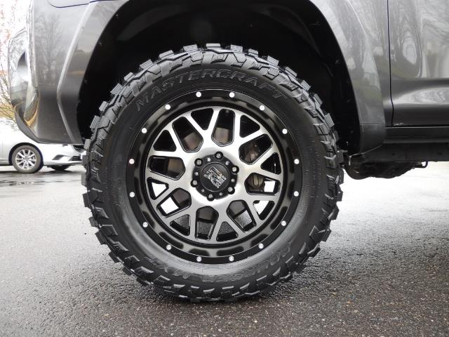 2016 Toyota 4Runner 4WD / V6 / 3RD SEAT / FACTORY WARRANTY / LIFTED !! - Photo 23 - Portland, OR 97217
