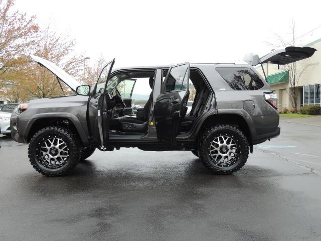 2016 Toyota 4Runner 4WD / V6 / 3RD SEAT / FACTORY WARRANTY / LIFTED !! - Photo 21 - Portland, OR 97217