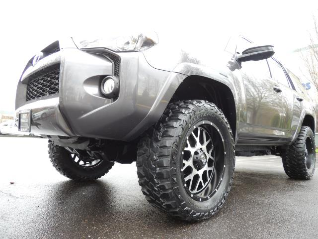 2016 Toyota 4Runner 4WD / V6 / 3RD SEAT / FACTORY WARRANTY / LIFTED !! - Photo 9 - Portland, OR 97217