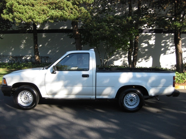 1994 Toyota Pickup 5 Speed Runs Great