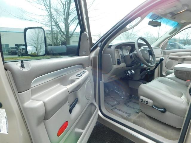 2005 Dodge Ram 2500 Laramie /4X4/ 5.9L Cummins DIESEL/ 6 SPEED MANUAL - Photo 9 - Portland, OR 97217