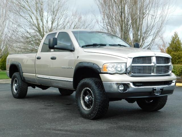2005 Dodge Ram 2500 Laramie /4X4/ 5.9L Cummins DIESEL/ 6 SPEED MANUAL - Photo 2 - Portland, OR 97217