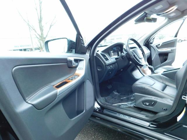 2017 Volvo XC60 T5 Inscription / AWD / BLIS / NAVi / PANORAMA ROOF - Photo 13 - Portland, OR 97217