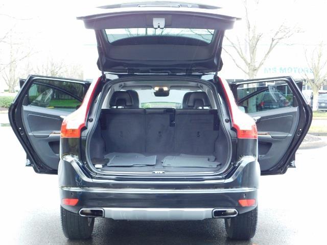 2017 Volvo XC60 T5 Inscription / AWD / BLIS / NAVi / PANORAMA ROOF - Photo 26 - Portland, OR 97217