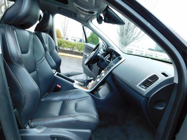2017 Volvo XC60 T5 Inscription / AWD / BLIS / NAVi / PANORAMA ROOF - Photo 17 - Portland, OR 97217