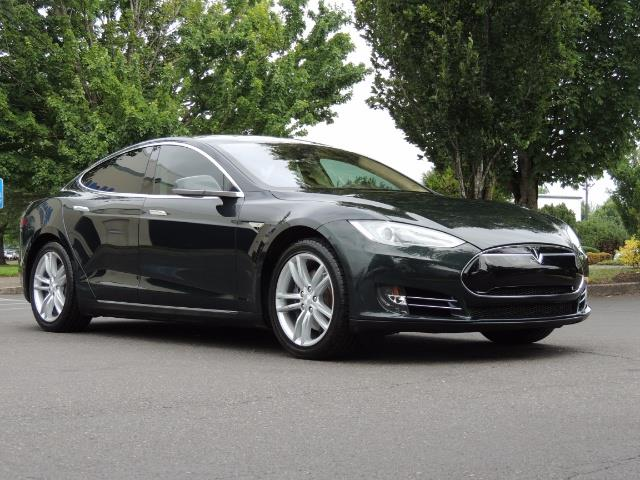 2013 Tesla Model S Tech Package / 5YR TESLA EXTENDED WARRANTY INCLUDE - Photo 2 - Portland, OR 97217